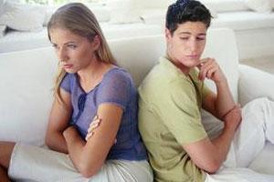 城阳性病医生解答淋病的普遍症状都有哪些