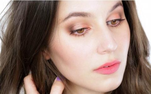 白癜风患者怎么使用化妆品